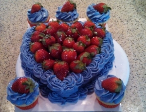 Kake and Kupcake Combo Strawberry on top